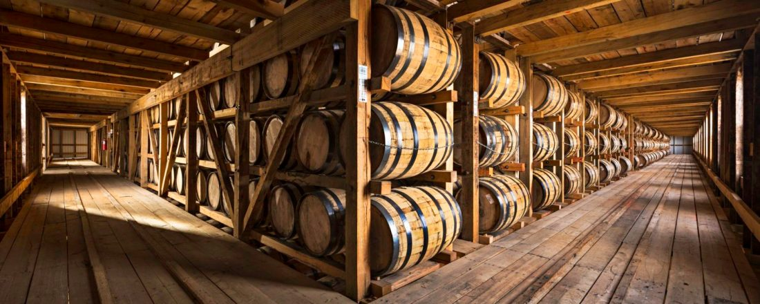 13_IMG_2496-A-warehouse-at-the-family-run-Heaven-Hill-bourbon-distillery-9999x700.jpg